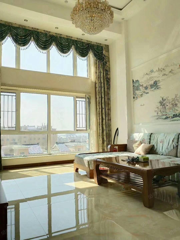 东方锦都,电梯顶楼带阁楼,共165平。76万。