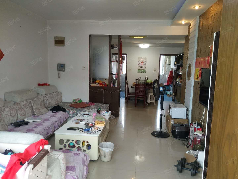 都市花园东区,精装大两室,可改三室,带10平米左右地下室。