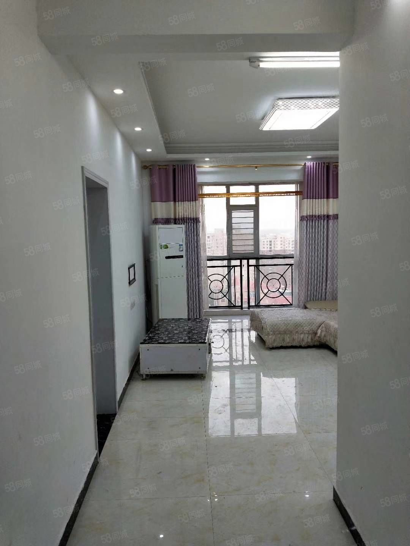 荣域福湾精装3室好楼层契税满五唯一仅售77万