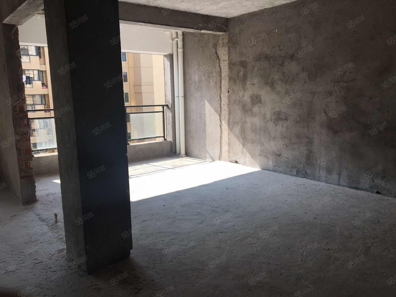 帝豪时代广场一期,高层复式楼,可设4房车位,楼板已打好。