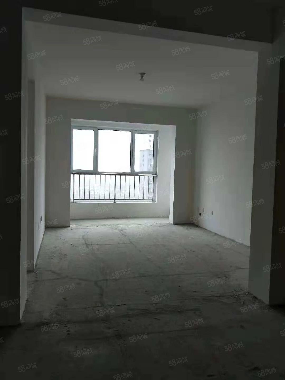 万达广场南邻华侨城二期电梯房楼层位置好诚信卖