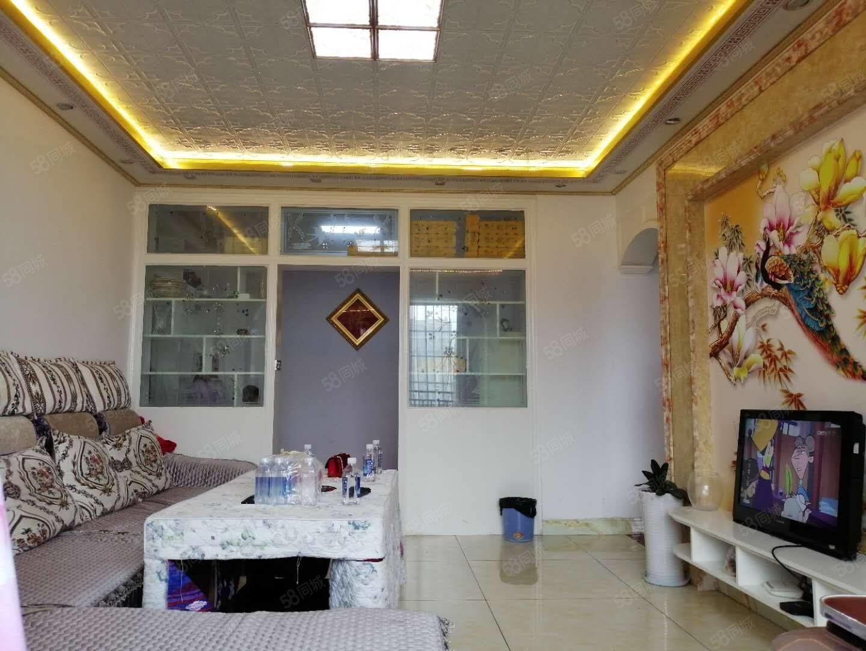 学府雅苑精装好房,三室两厅二卫,108.66平米,关门卖。