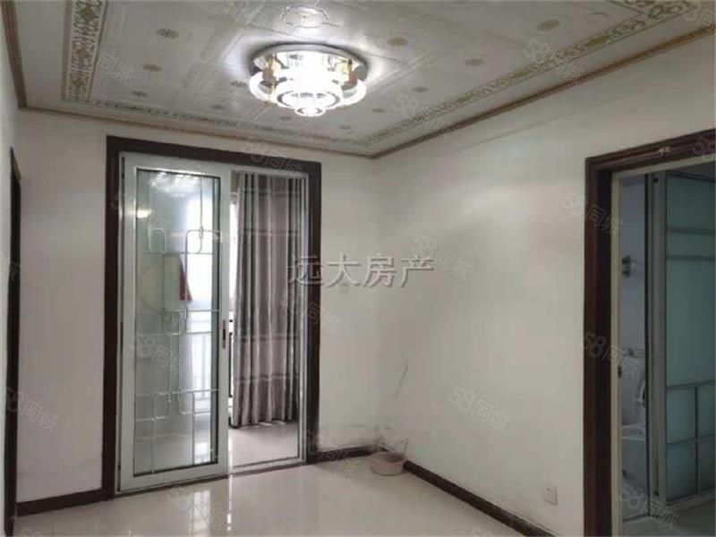 两淮新城140平方三室想租给办公的每月2000元