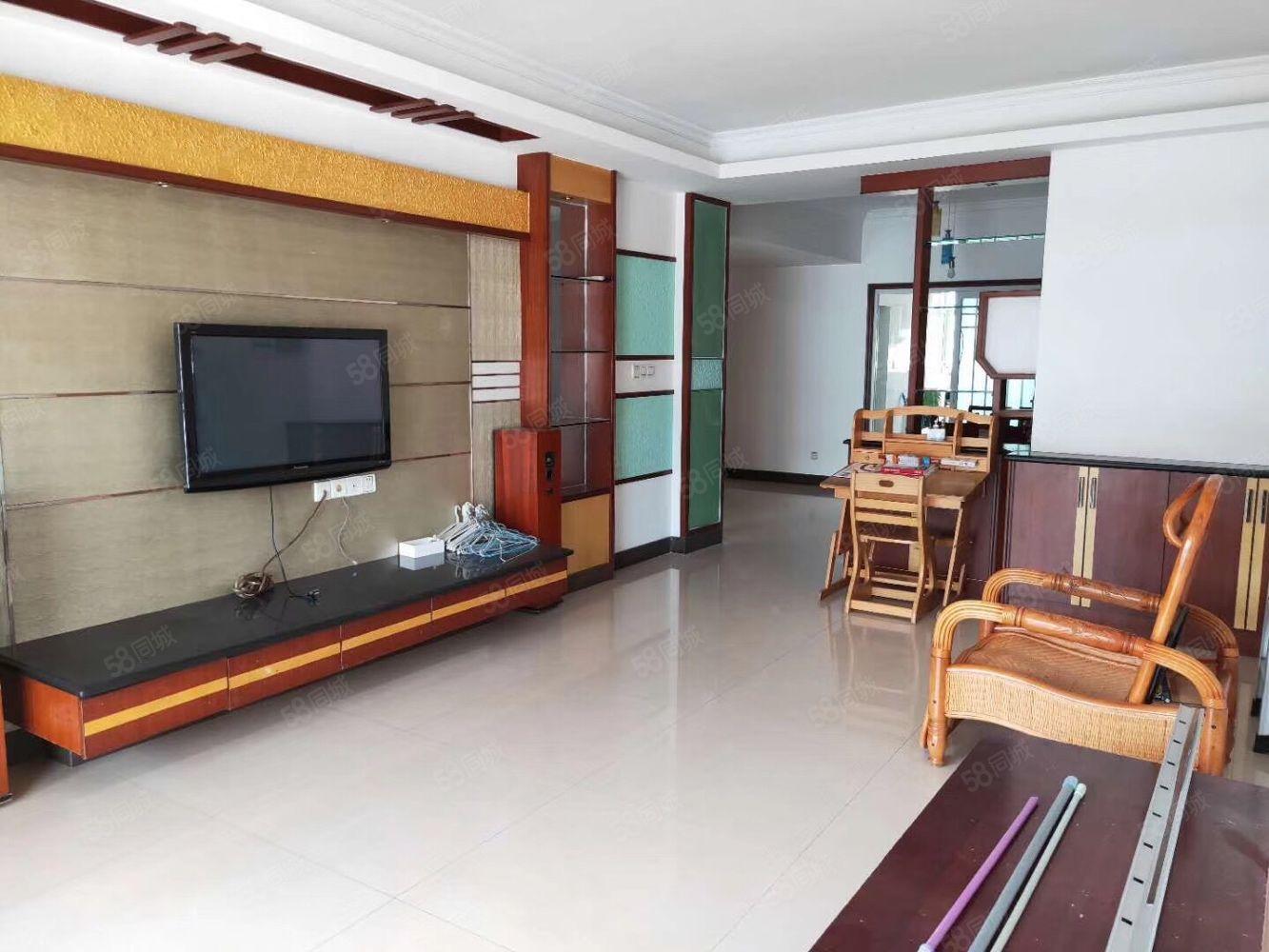 江南小學附近08年的房子超值價55萬