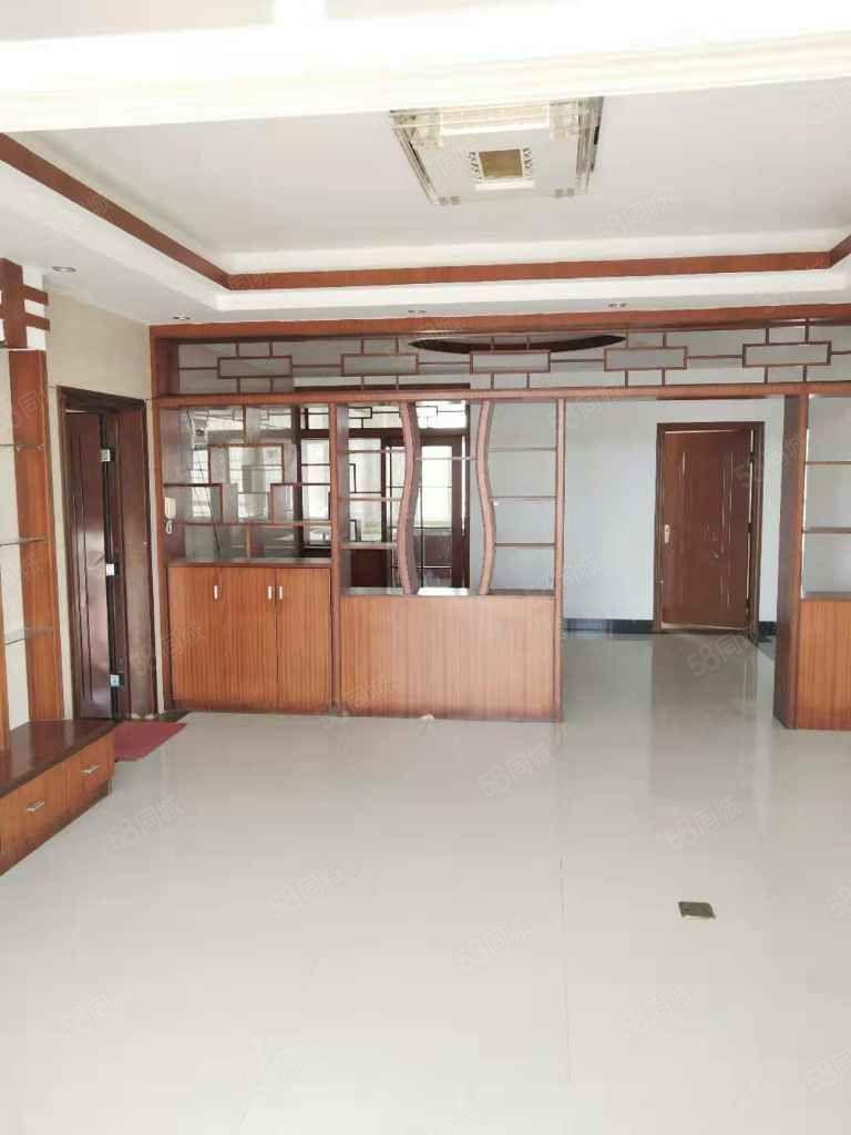 出售河南佳瑞苑小區套間,3房2廳2衛,116平方