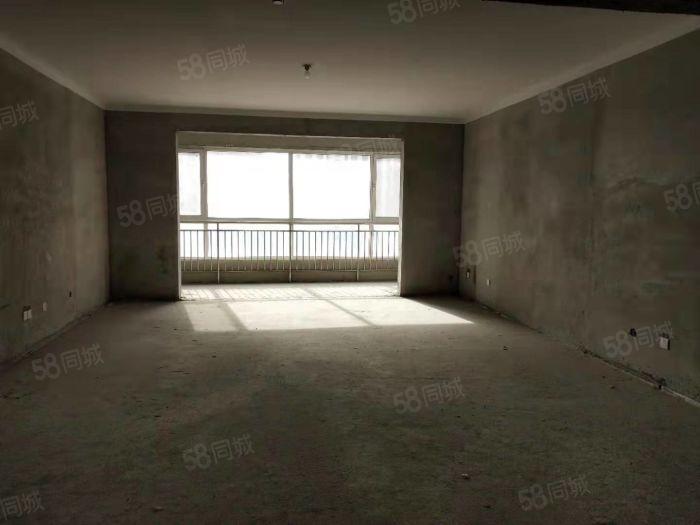 田园牧歌大平层前面无遮挡送车位储藏室可办证配合贷款