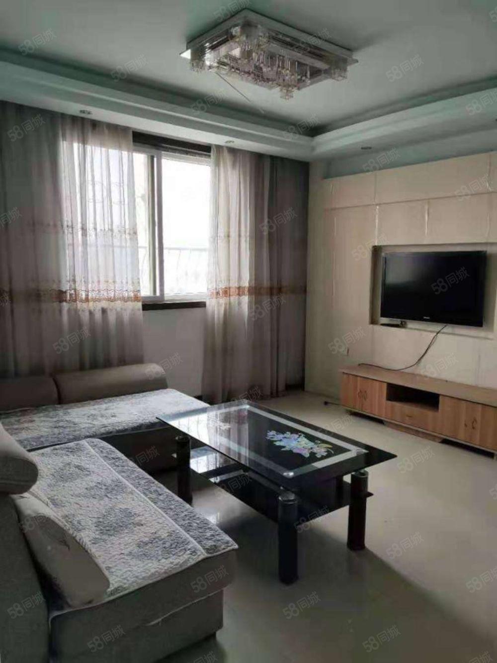 綠汀花園1室1廳精裝修家具家電齊全拎包入住,年租8500