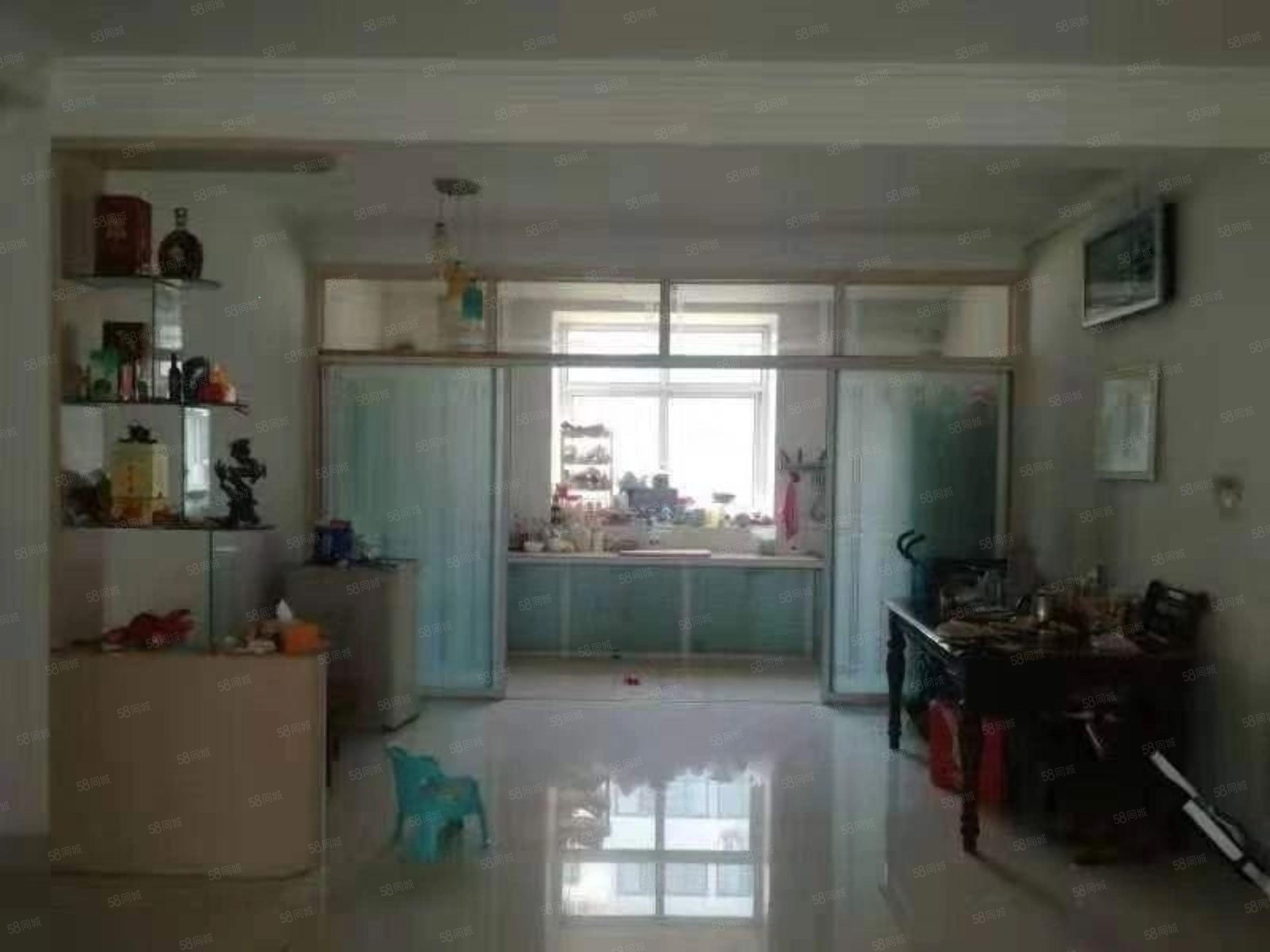 鳳凰新城 精裝三室 無 稅 多層二樓 H戶型帶車庫