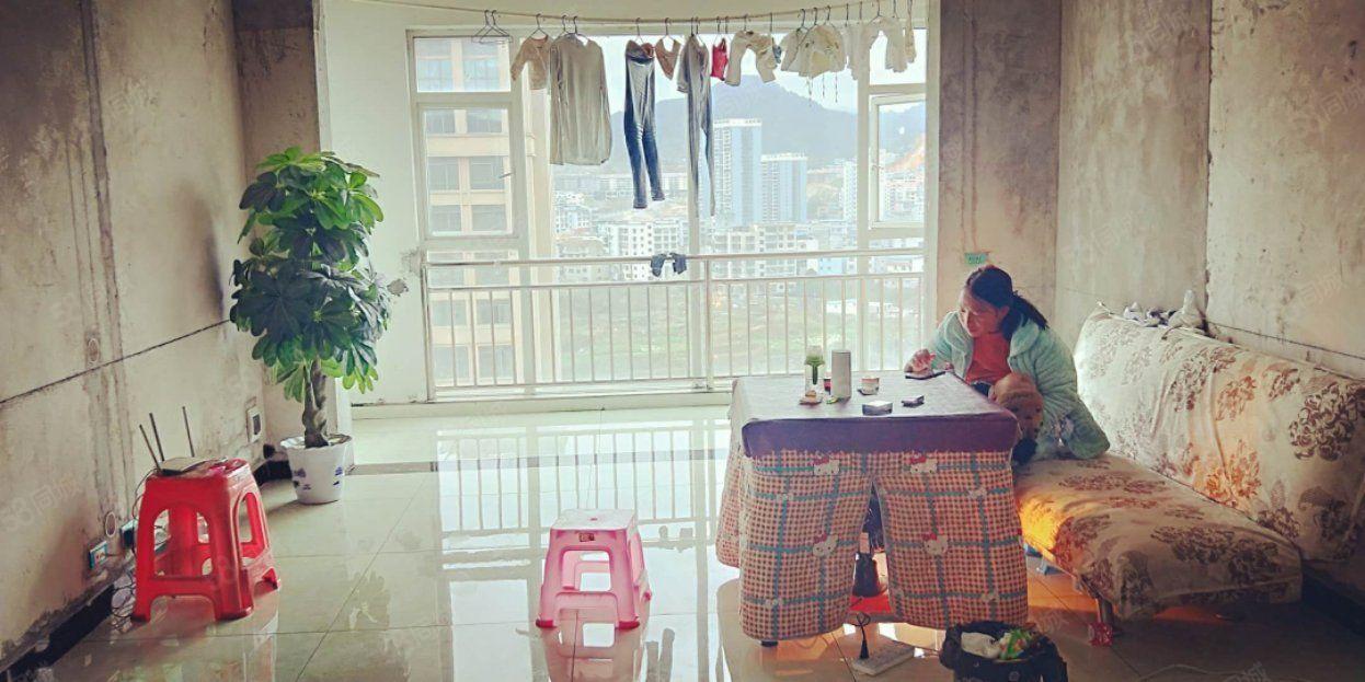 振江铭苑买3室2厅2卫环境优雅