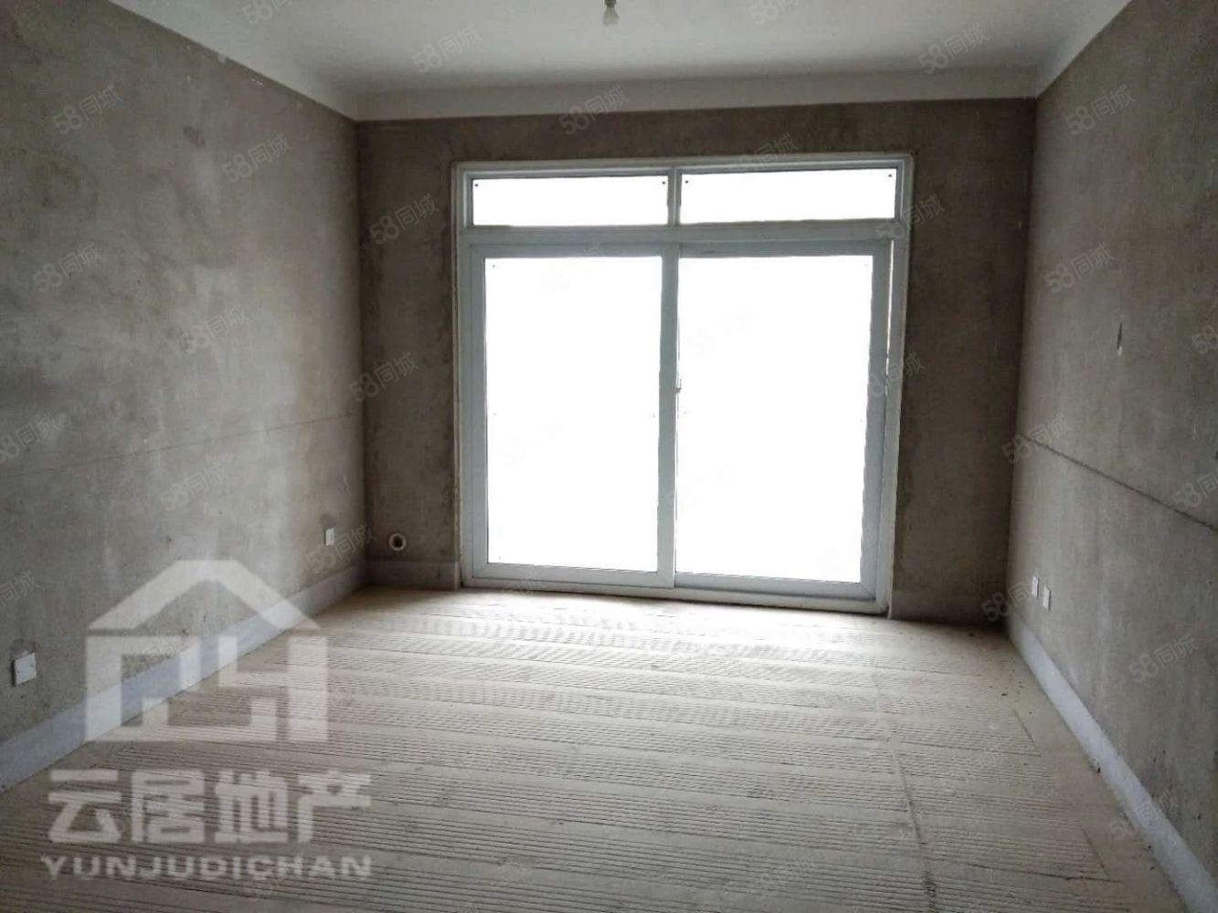 七彩城好楼层温馨三室可首付即可装修入住随时看房