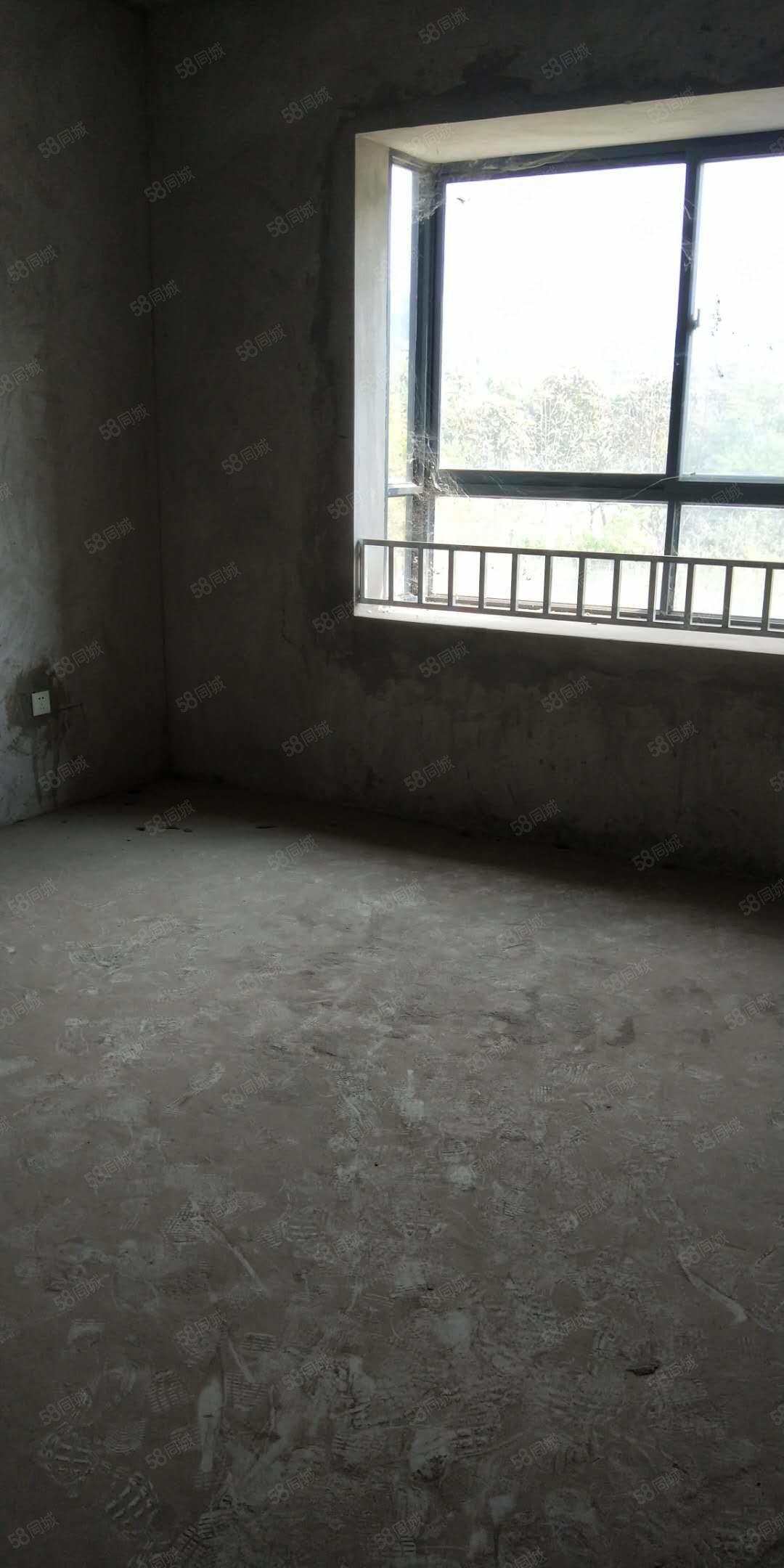 900文庭雅苑毛坯房116平米在3楼6层可以按揭贷款