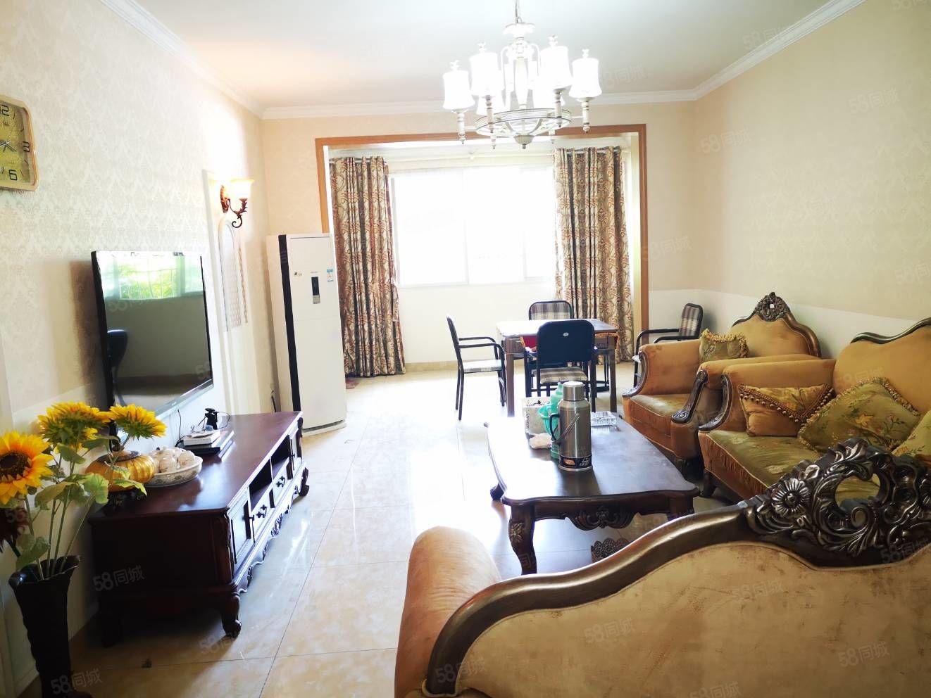 鹿港左岸一楼大三房140m一口价92.8万