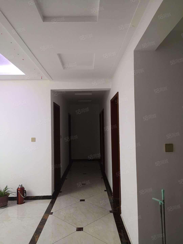 出售森林半島一期電梯6樓4室2廳2衛精裝修