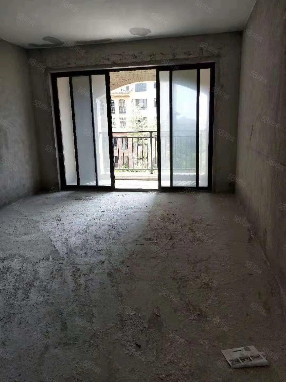 龙熙山3房2厅2卫低层毛坯向南