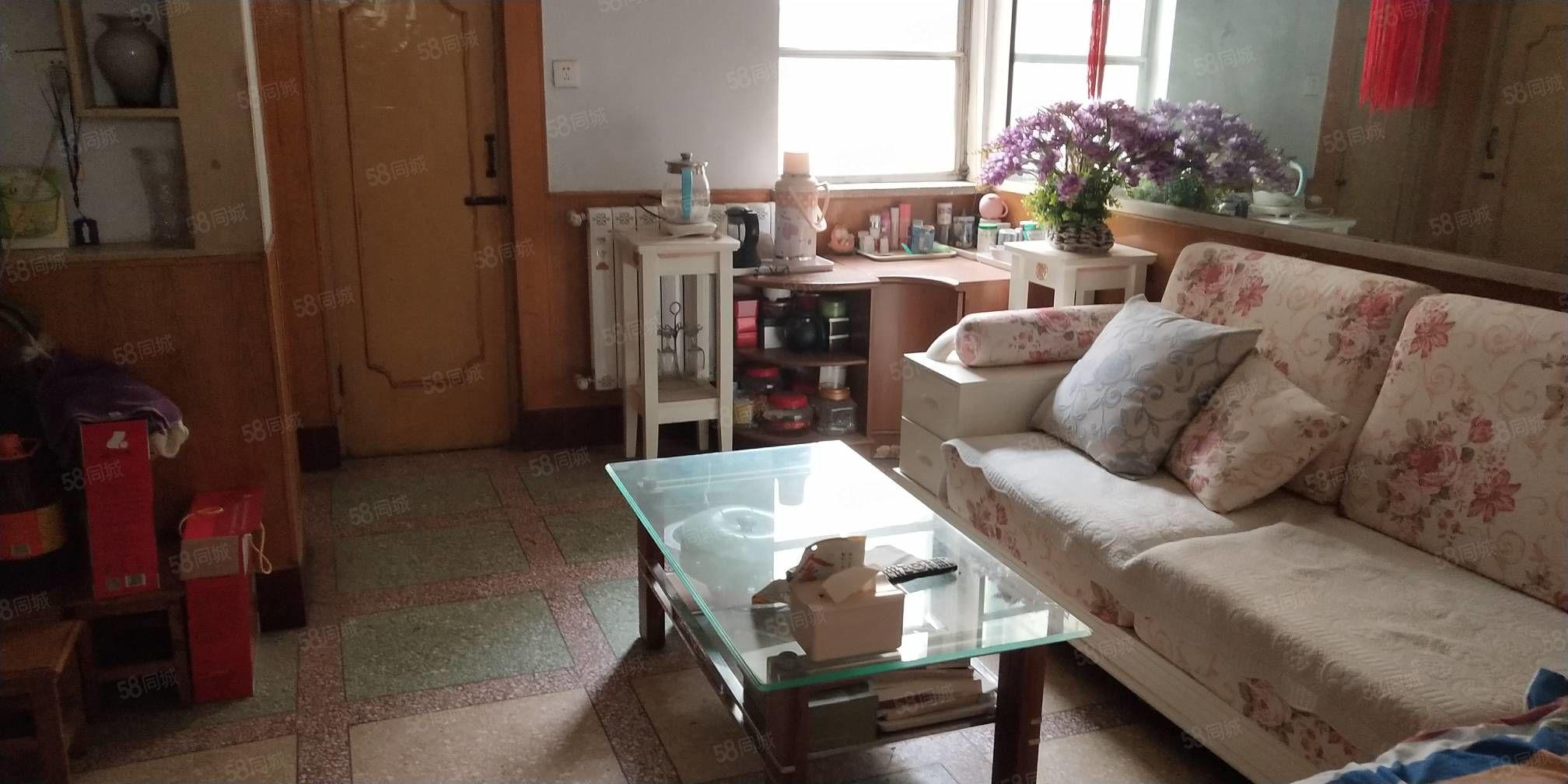 新華國際旁南苑小區70平兩室一廳一衛有證有暖能貸款三樓