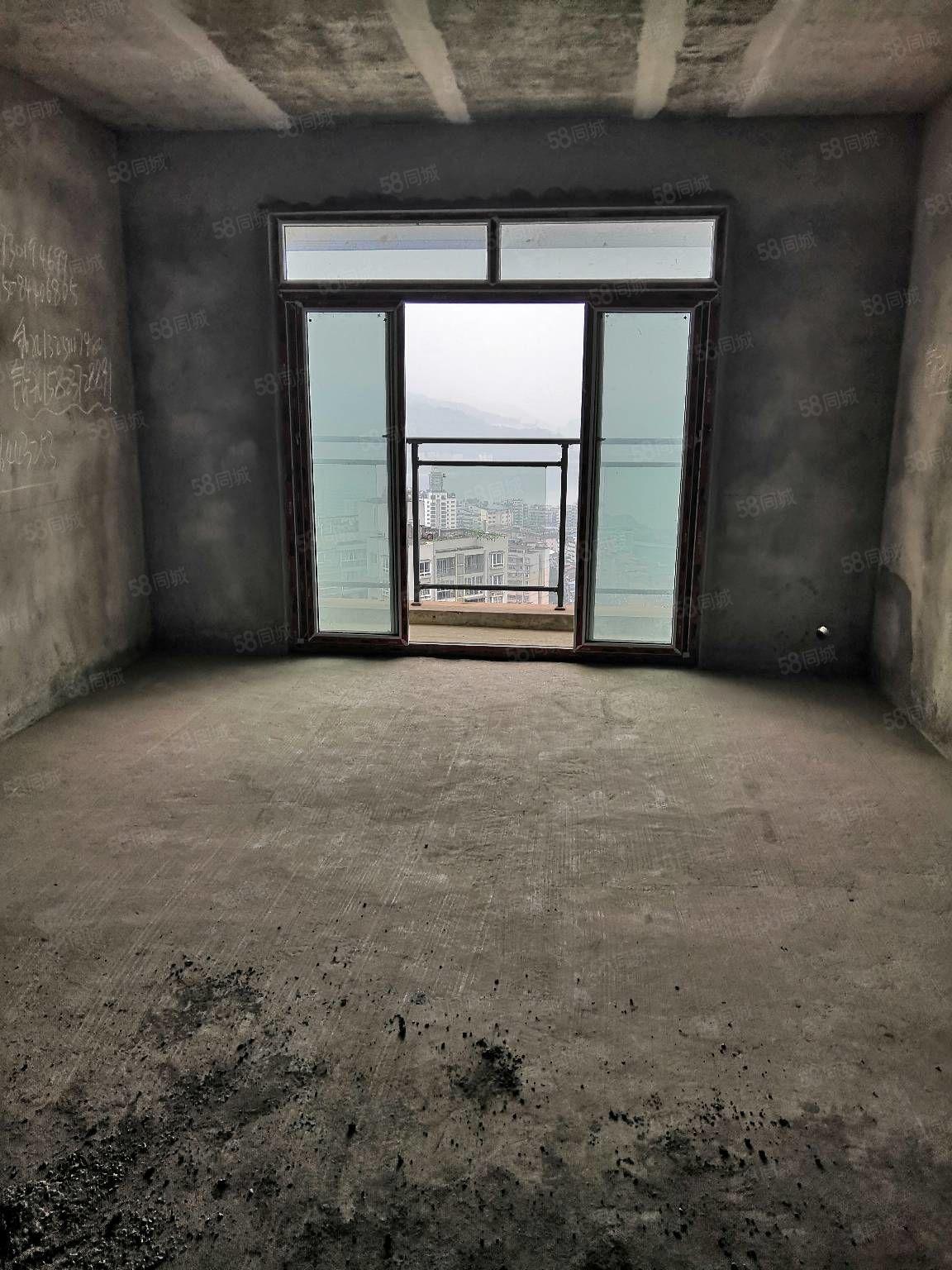 宏盛花园大户型急卖!仅售38万!三室两厅两卫一阳台106平米