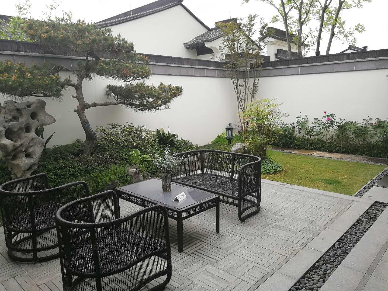 老业主急转蓝城中式一层合院,豪装装修,送车位,100平花园。