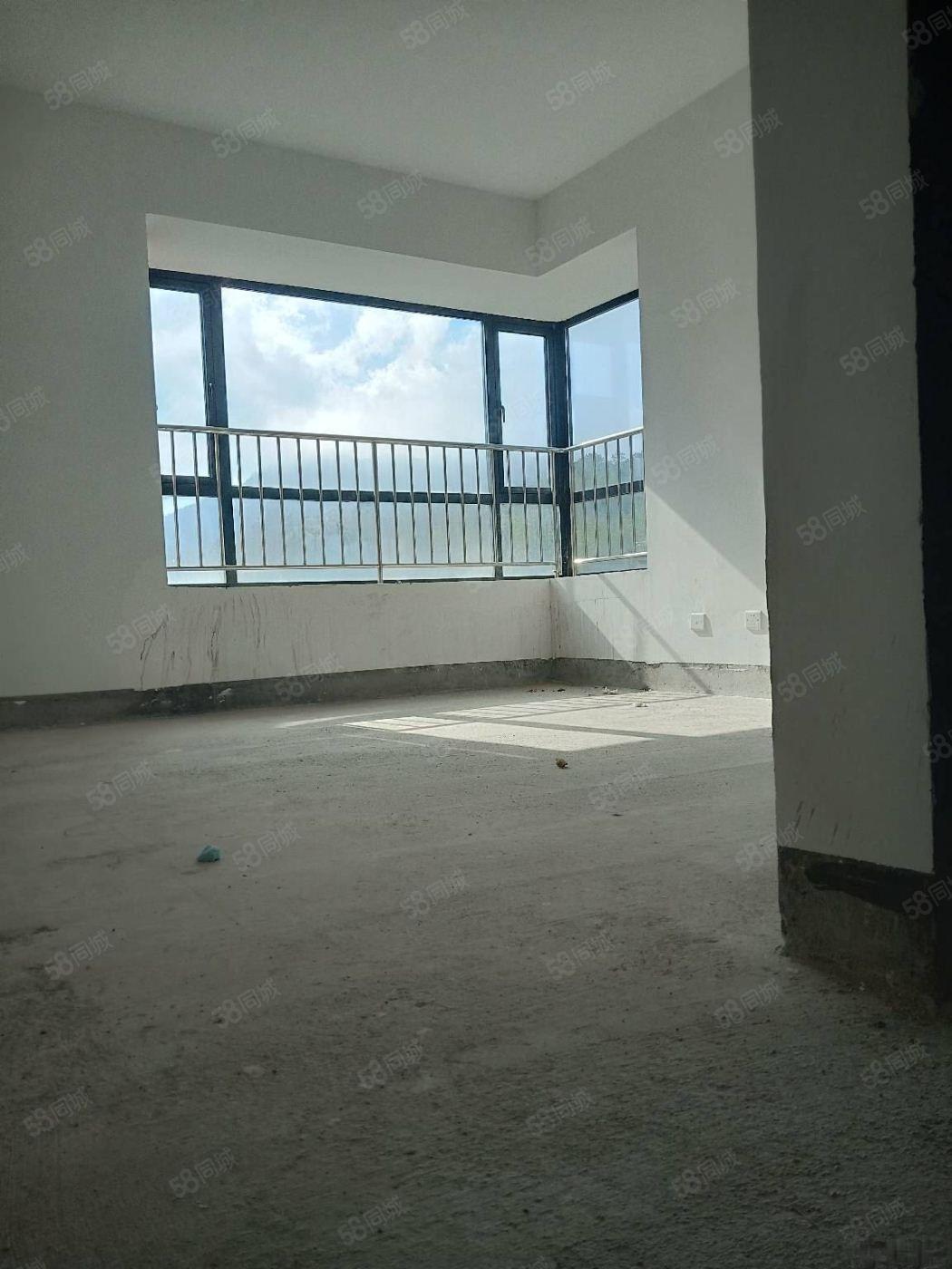桃园名仕官邸边套毛坯房子出售,阳光无遮挡,利用率高