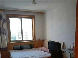 急售山海关大龙道2室2厅1卫6加1的6楼,26.5万。