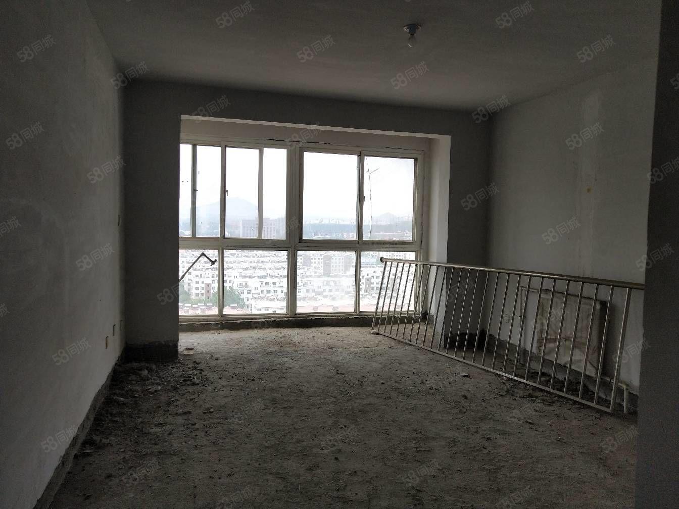 急售中兴新城电梯房好楼层,南北通透好户型,到家在5000左右