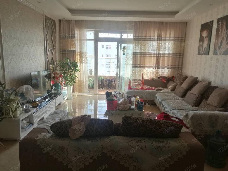 玉溪二小区3房户型方正布局合理没有浪费空间精装修采光良好