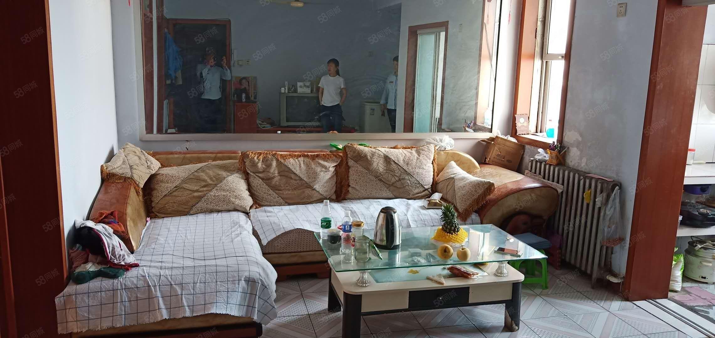 北园小区2室出租5楼屋内干净明亮800元