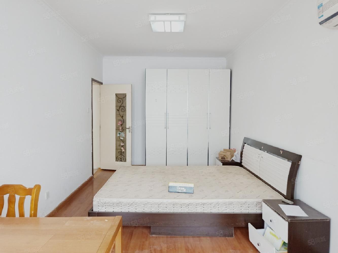 (保真)二七區委旁,地鐵5號線500米,單價1萬通透三室