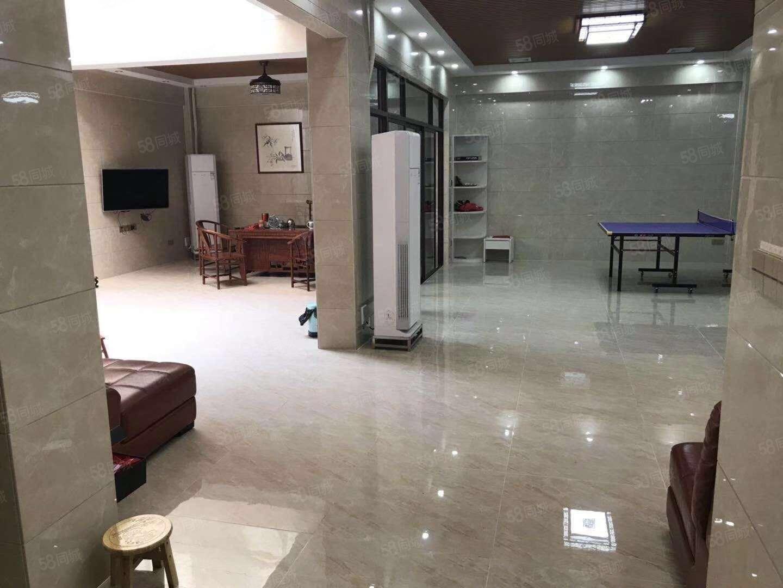 碧桂园钻石湾双拼别墅豪华装修入住一年,非常新净
