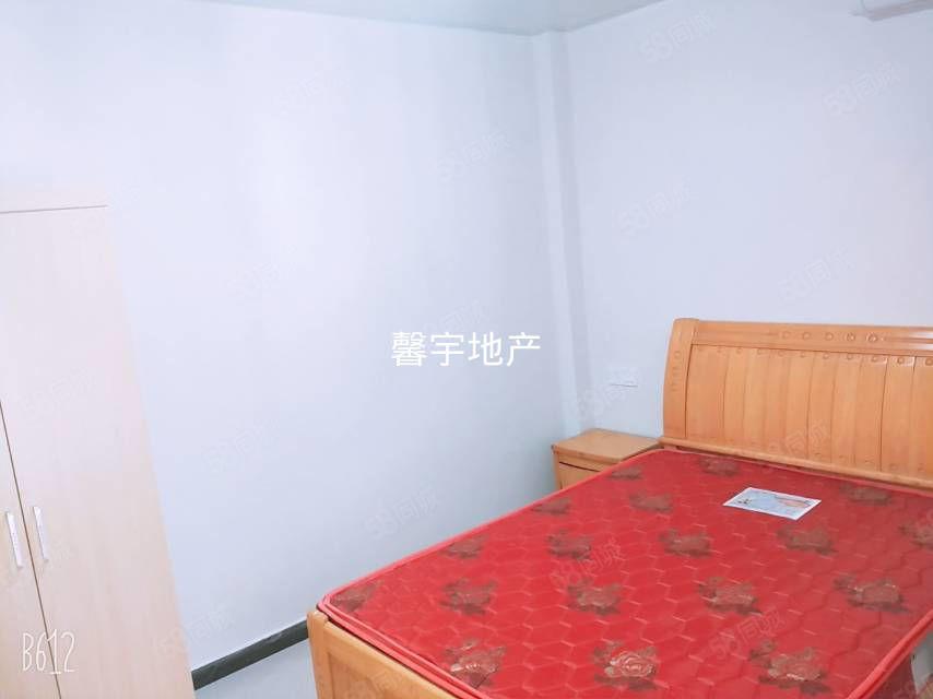 三合大市場精裝一室一廳精裝修空調熱水器油煙機拎包住