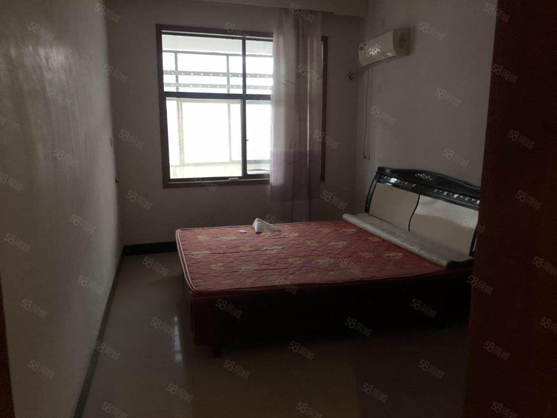 澳门星际网址鼓楼附近三室两厅套房800一月拎包入住