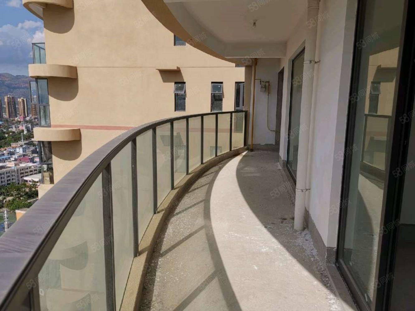 銘誠瀾岸28樓3室143平米急售