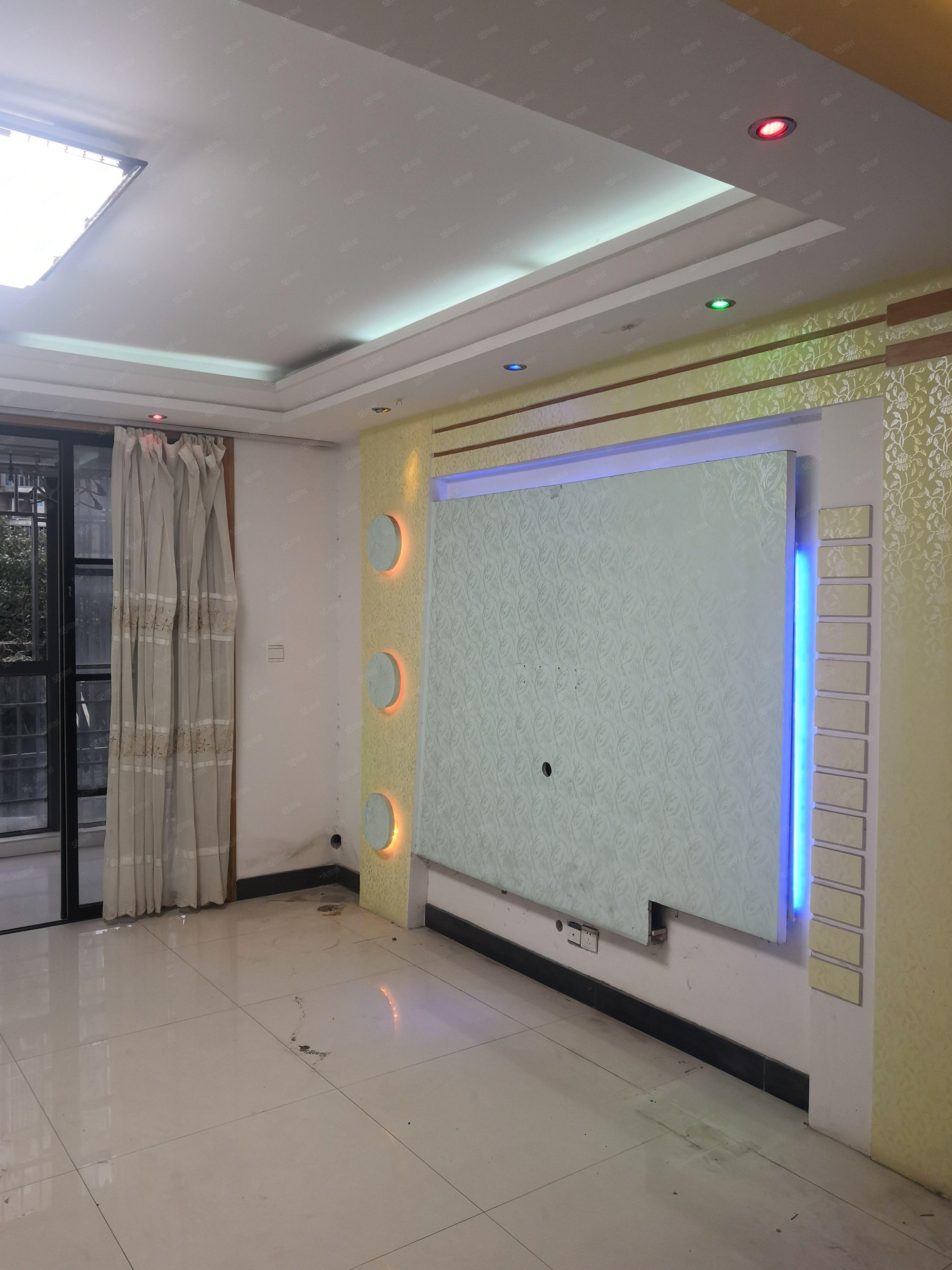 江海西苑二��143平米,四室��d�尚l,精�b修�梯房