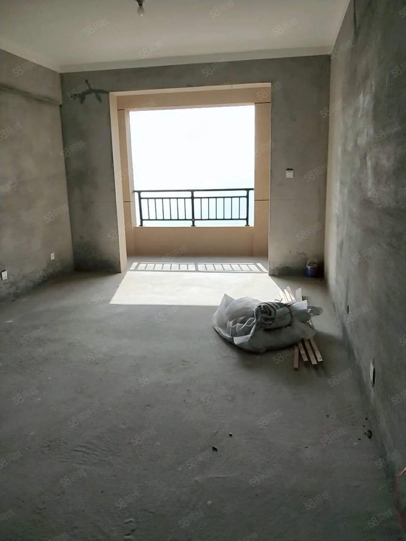 益兴名流花苑,新空毛坯,三房朝南,主卧带衣帽间,卫生间有钥匙