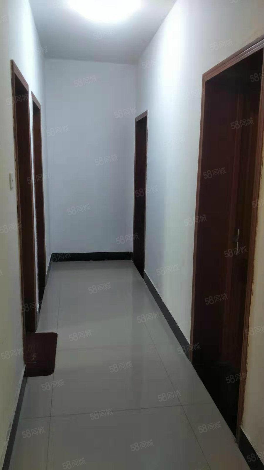 香頌雅苑1樓3室12儲藏室128平83萬