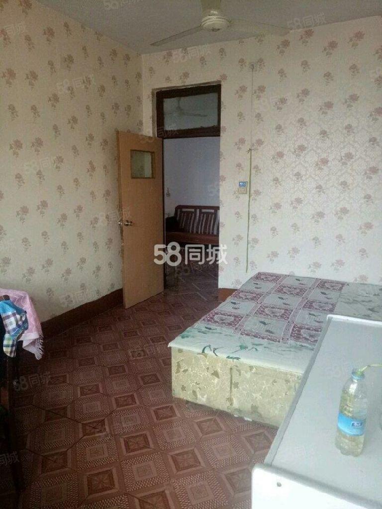 二化宿舍人民医院附近多层3楼冰箱洗衣机空调齐全拎包入住