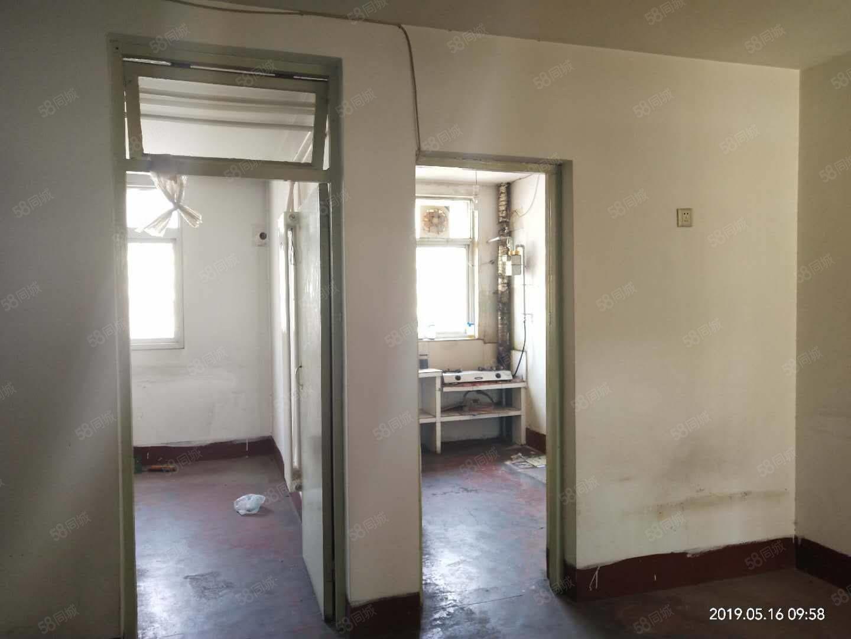 滕北学曲房杏坛西区两室一厅65平55.8万三楼毛坯
