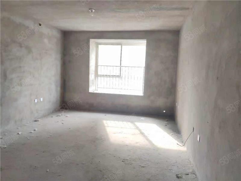 广电欣苑,步梯三楼大三房有证,可随时过户,