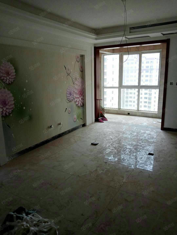 水岸明局三室兩廳精裝新房