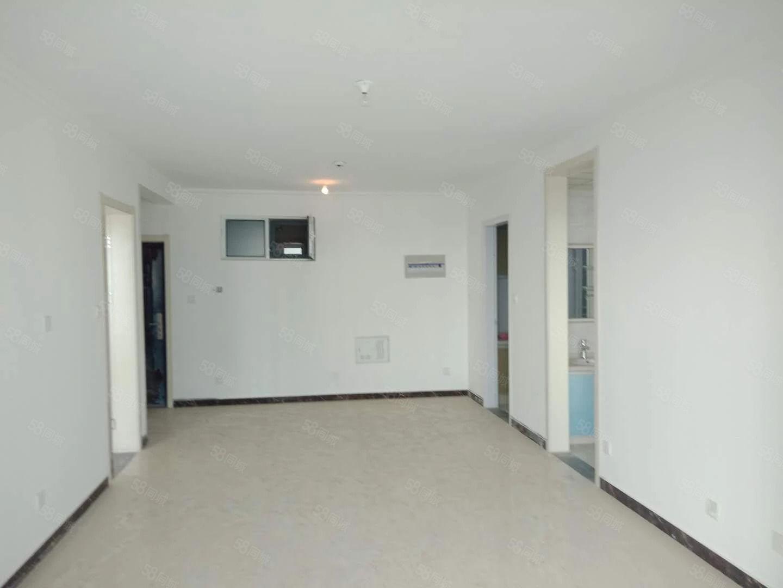 领秀豪庭两室一厅一卫加储藏室15平河景房