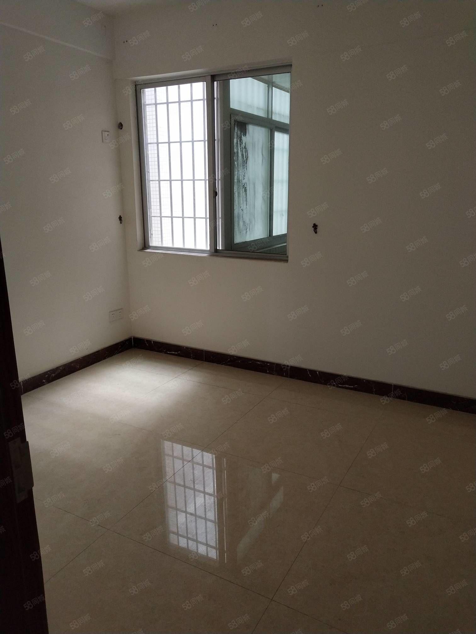 阳东金紫园、电梯二房、新净、证在手、仅需46.8万