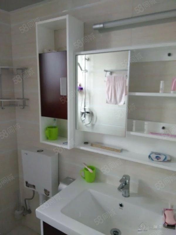 吉太大厦1600元3室2厅1卫普通装修,家具电器齐全非