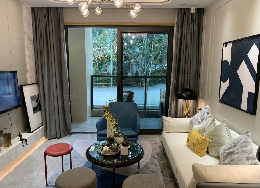 三亞市中心(景園城)三亞超繁華地段奢華精裝2房戶型方正