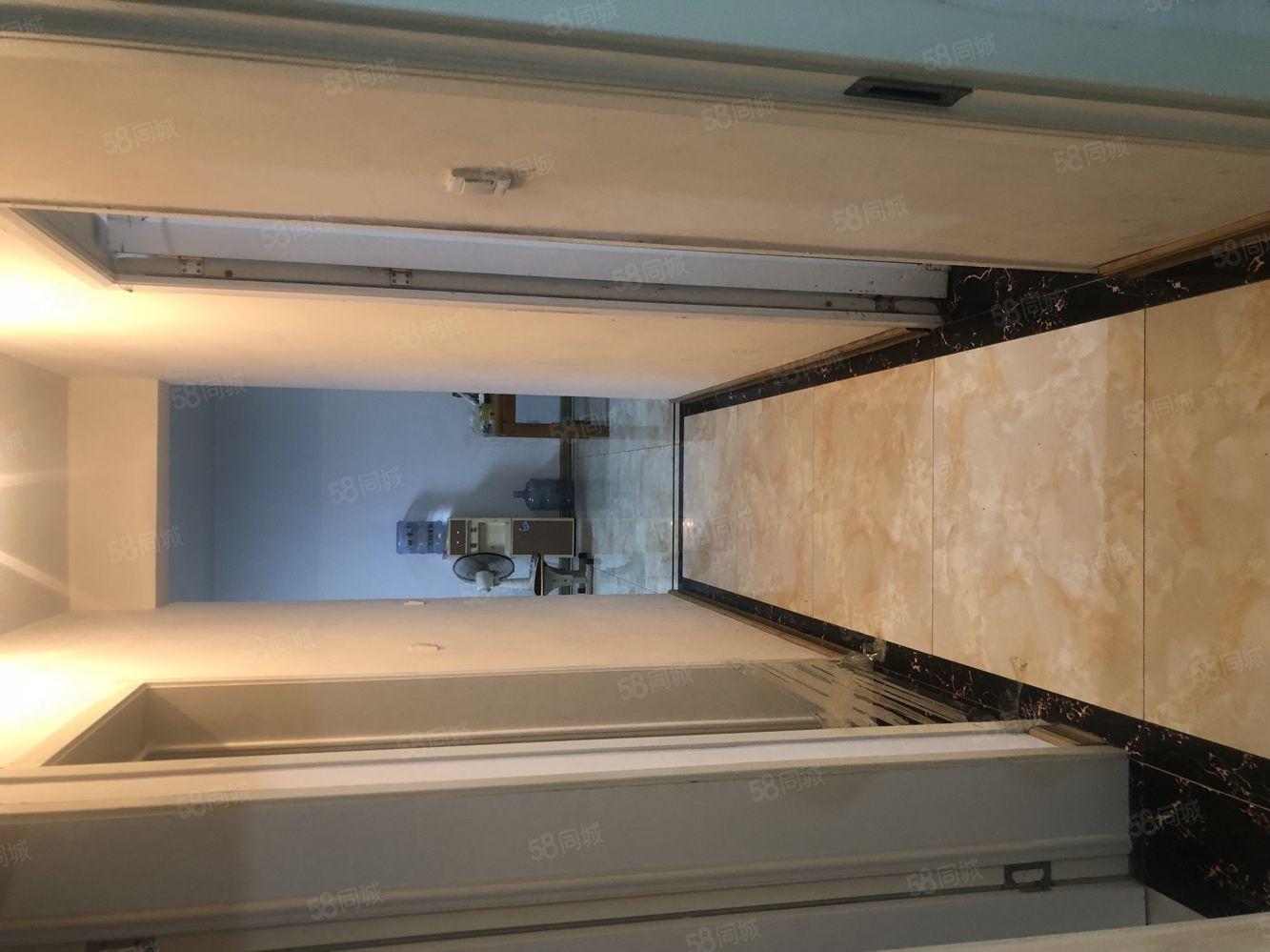陽光凱旋城103平送6平方3室2廳一衛簡單裝修帶平臺