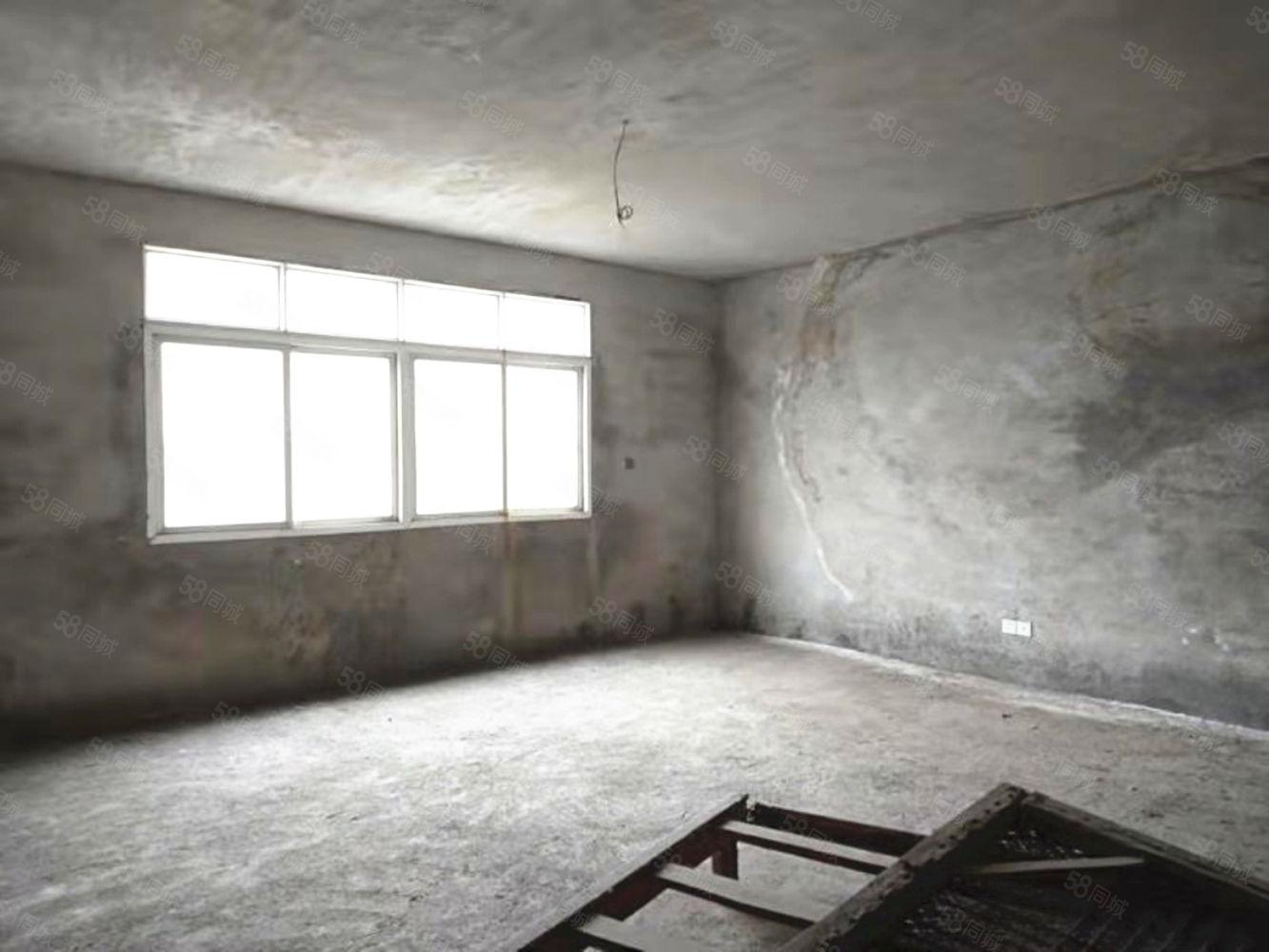 寶航街139平毛坯三房證齊滿二有鑰匙隨時看出行方便