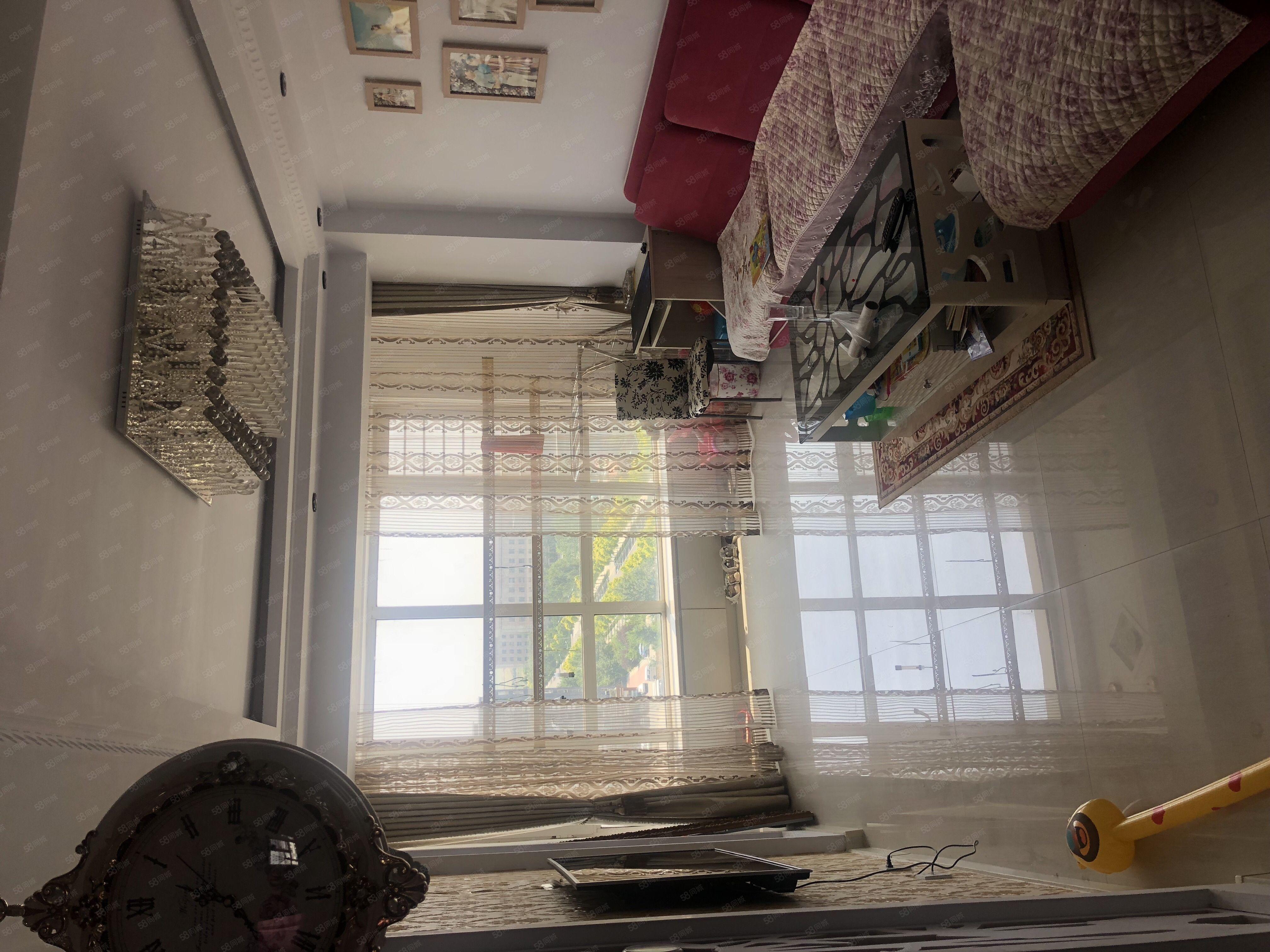 醫閭江南兩室一廳10樓92平精裝可做婚房