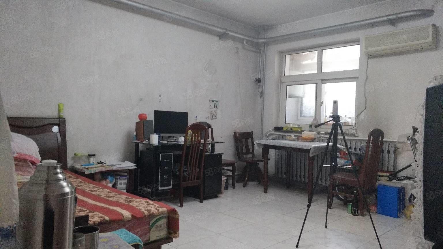 大港生活区振业里两室通透一楼适合老人居住小饭桌等