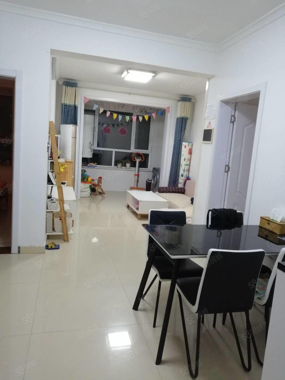 房子位于利津县县府小区小高层16楼两室两厅带地下室