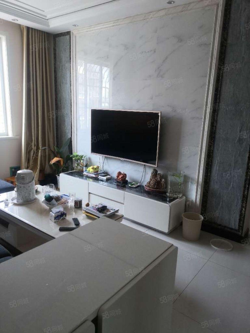 急售,精装修两室好楼层,带全部家具家电,可直接过户