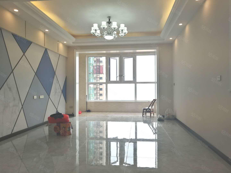 郧阳新车站旁江景房外滩一号电梯两房上半年新装