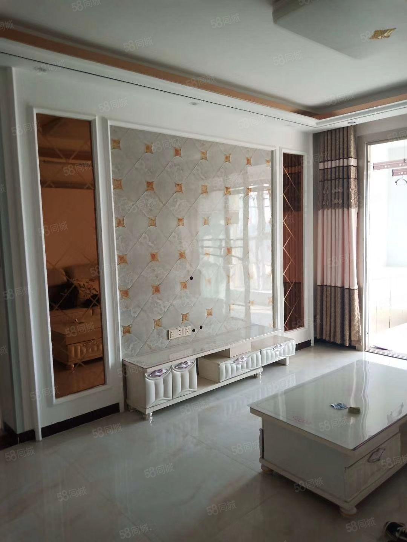 新辉花园9楼,140平,精装修领包入住年租2.1万